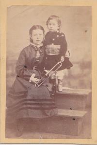 Perkins, J.W. CDVGirls&horn