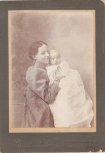 Mother and child, ca. 1900 cabinet card portrait by Miss Pickett, Americus GA