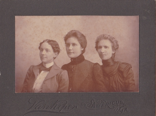 Van Riper trio 4x5 young ladies