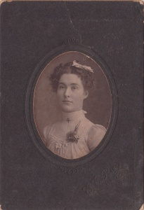 Ina Allison, cabinet card by E. E. Ray, Rossville, GA, 1900