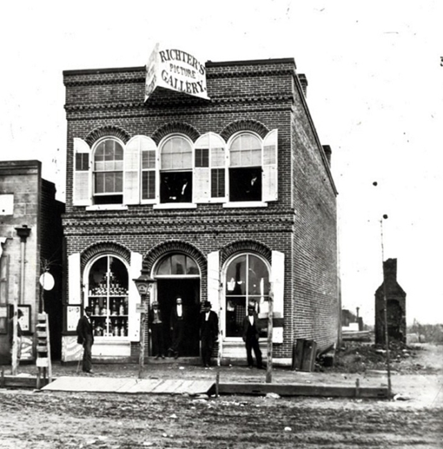 32 Richter's Picture Gallery Madison c1878