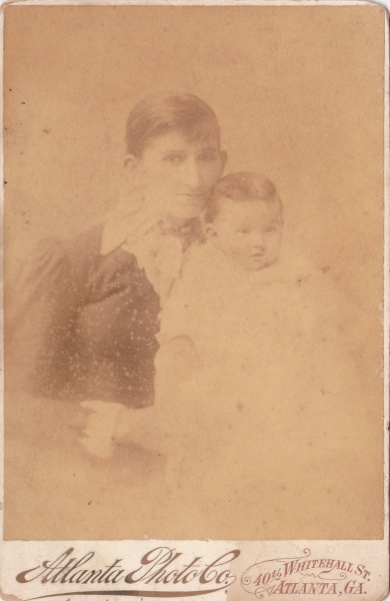 Atlanta Photo Co. cab DoraMinor&child